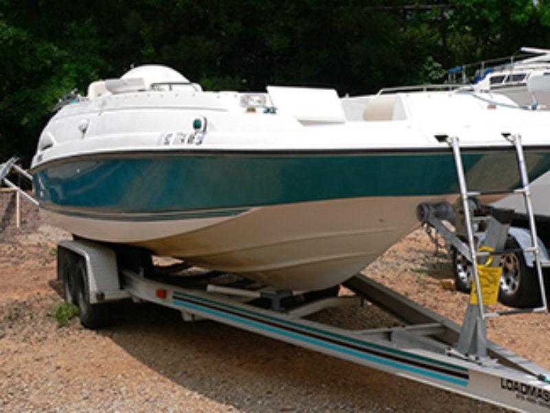 1996 Regal 240 Destiny Deckboat