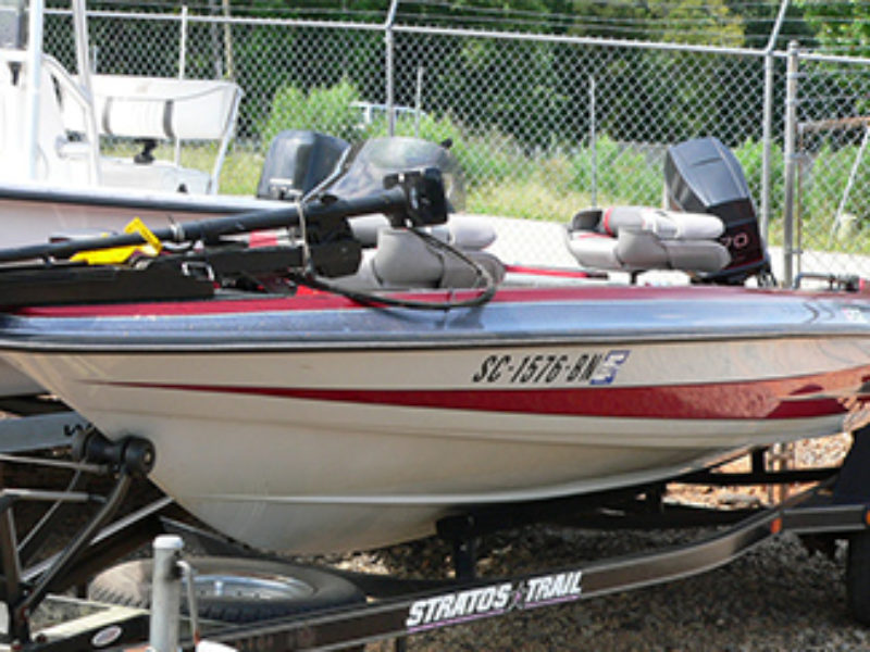 1996 Stratos 258 Bass Boat
